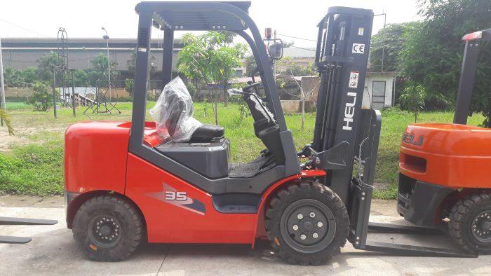 Xe nâng gỗ Heli tiêu chuẩn chạy dầu - 3.5 tấn