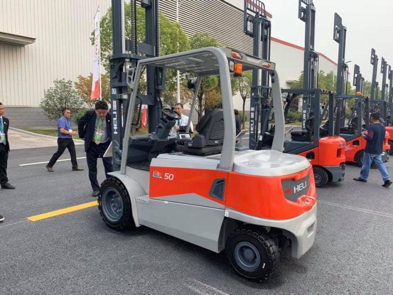 Xe nâng điện 5 tấn Heli mới trong triển lãm xe nâng